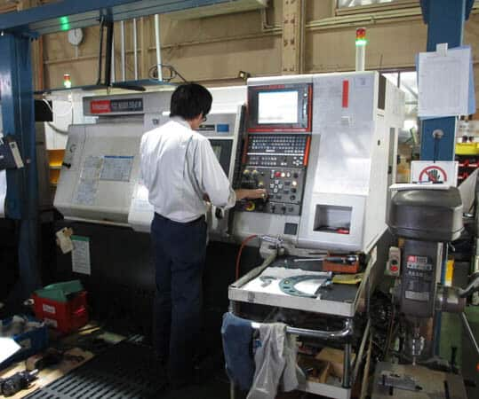 CNC machining expert