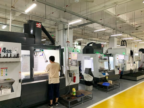 Horizontal and vertical CNC machining centers